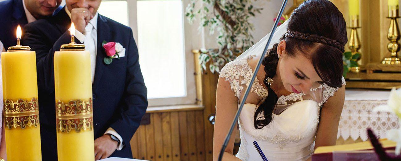 Ślub kościelny konkordatowy - dokumenty niezbędne do zawarcia ślubu