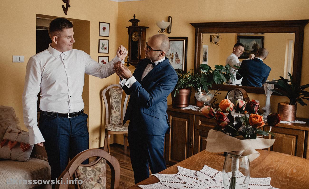 Fotograf ślubny Kielce przygotowania Pana Młodego