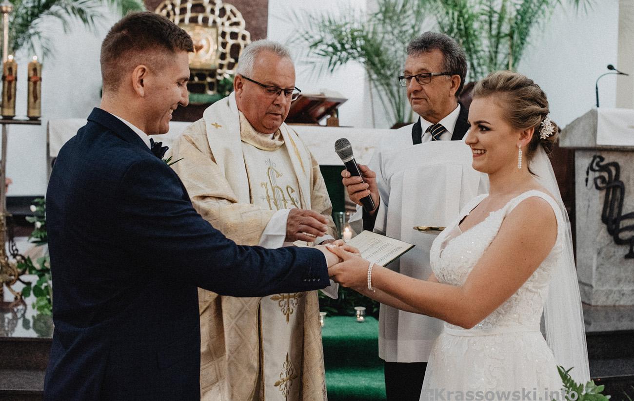 Fotograf ślubny Kielce ślub kościół obrączki