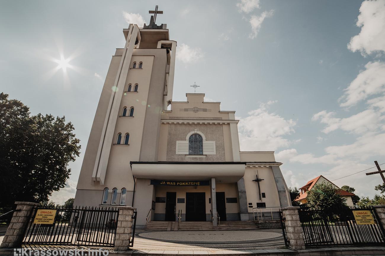 kościół Św Trójcy Ząbki 1